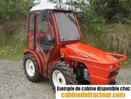 Cabine pour tracteur agricole de marque Goldoni
